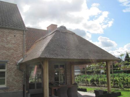 Eiken bijgebouwen - houten carports - poolhouse in eik