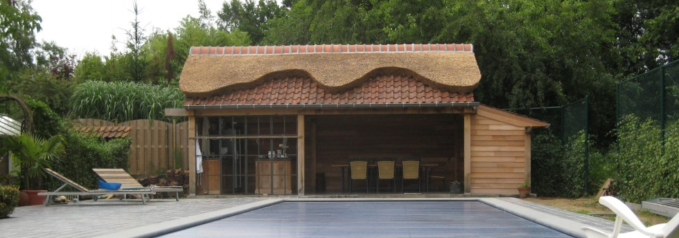 eiken bijgebouwen houten carports poolhouse in eik